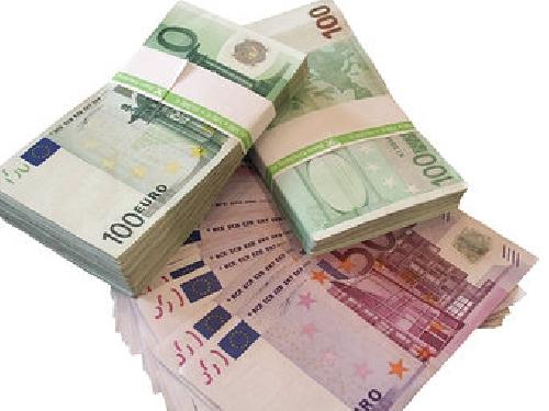 Banche, Bankitalia: ad aprile frena calo prestiti a famiglie Foto