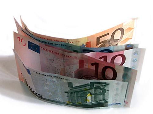 prestiti cattivi pagatori protestati brescia foto